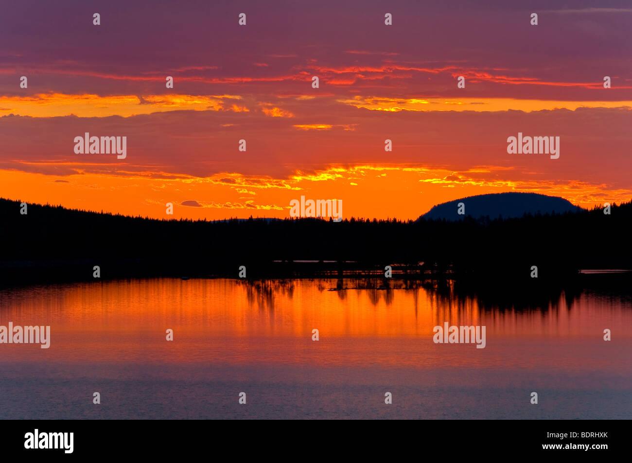 abendstimmung an einem see bei arjeplog, lappland, schweden, evening mood at lake near arjeplog, lapland, sweden Stock Photo