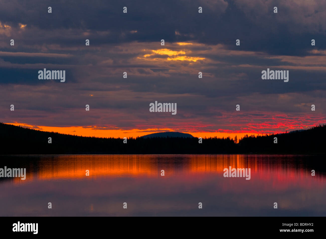 abendstimmung an einem see bei arjeplog, lappland, schweden, evening mood at lake near arjeplog, lapland, sweden Stock Photo