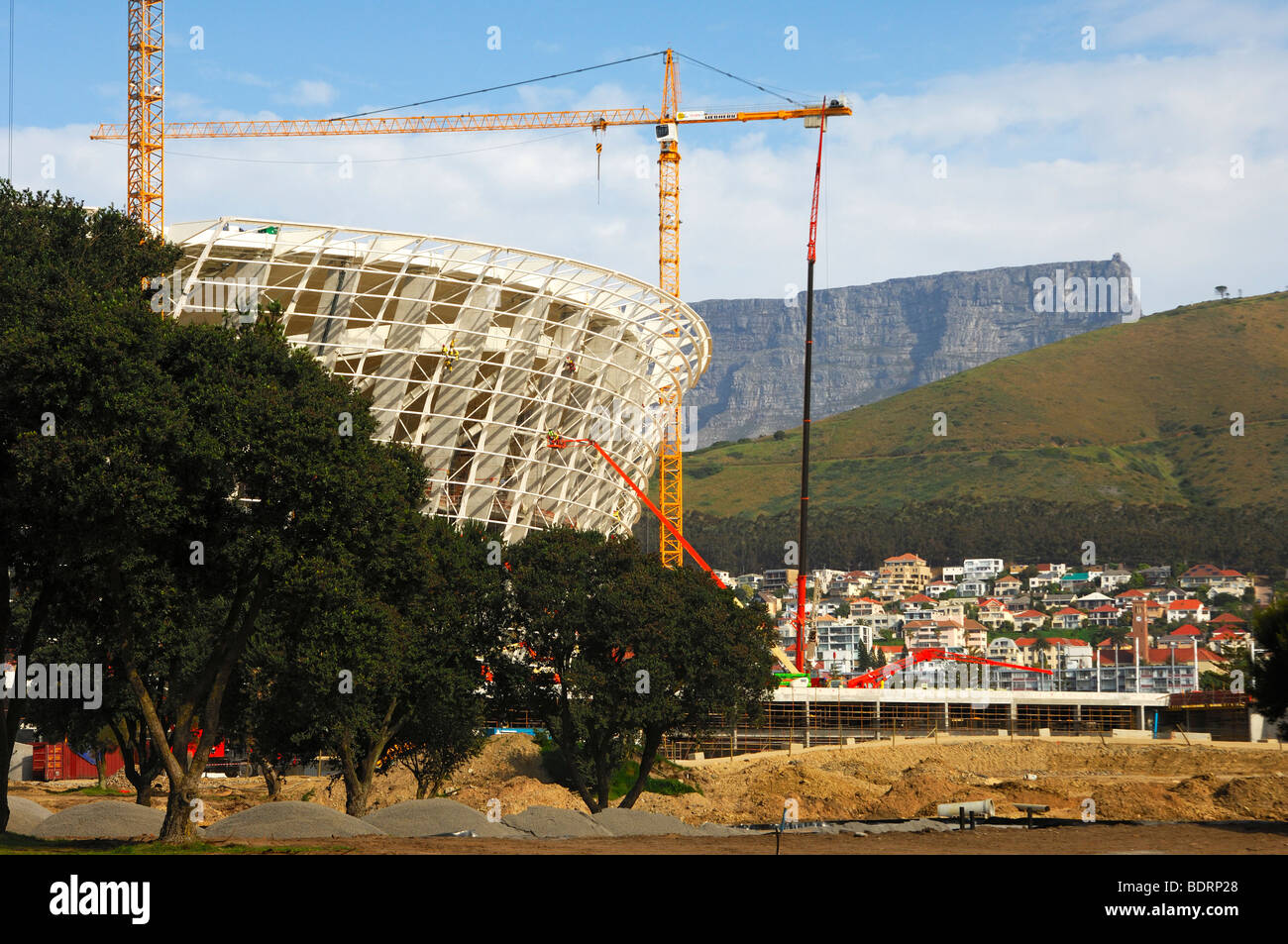 Soccer World Championship 2010, Greenpoint Soccer Stadium under construction, Table Mountain behind, Cape Town, - Stock Image