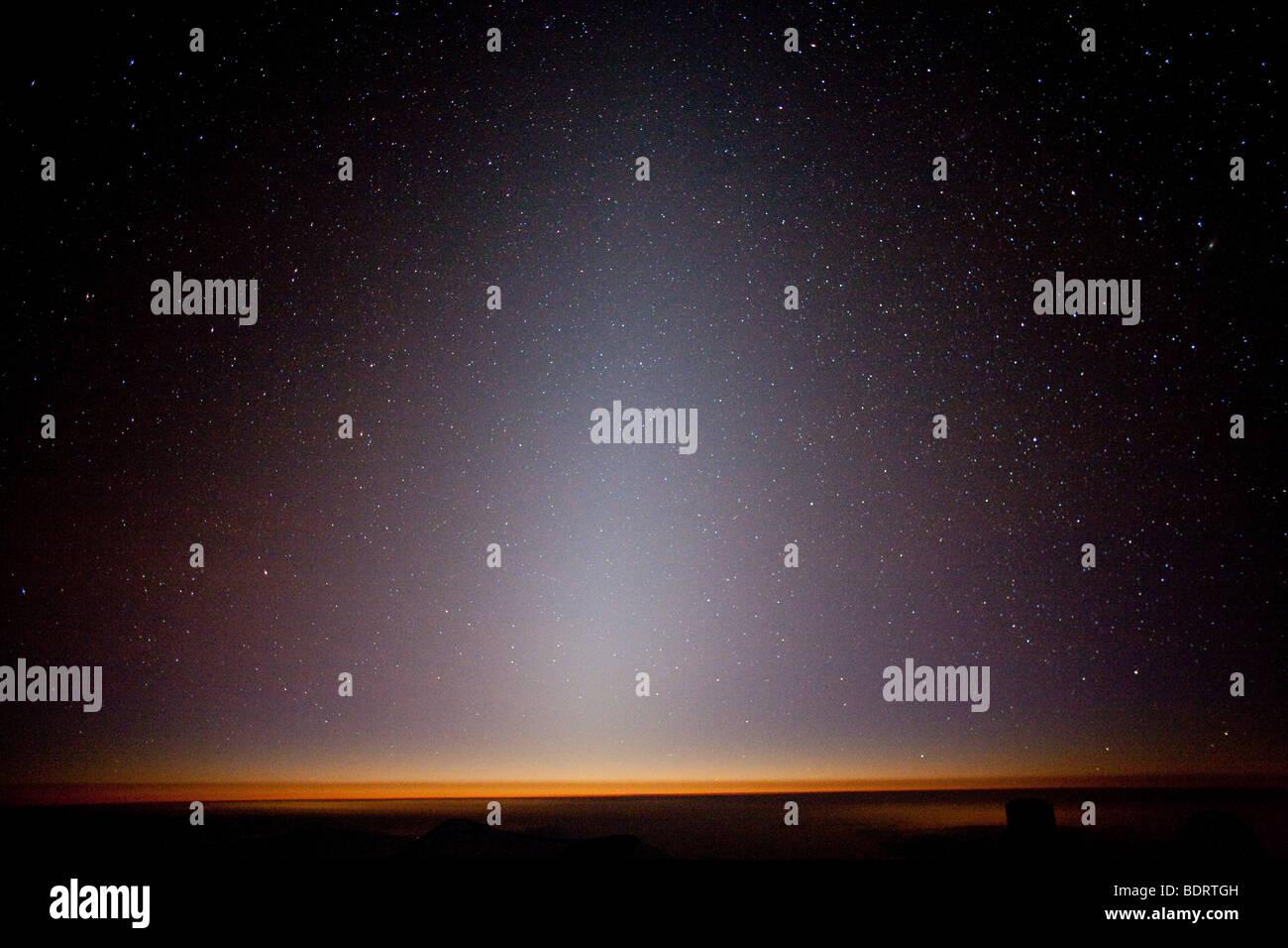 The zodiacal light seen from Mauna Kea Observatory, Hawaii. - Stock Image