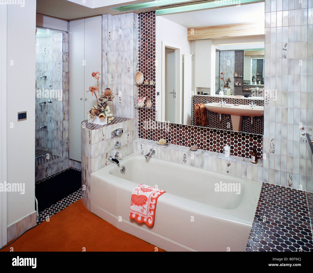 1970s Bathroom with white tiling Stock Photo: 25732802 - Alamy