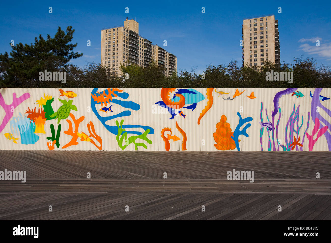 Mural on the wall of the New York Aquarium, Coney Island, Brooklyn ...