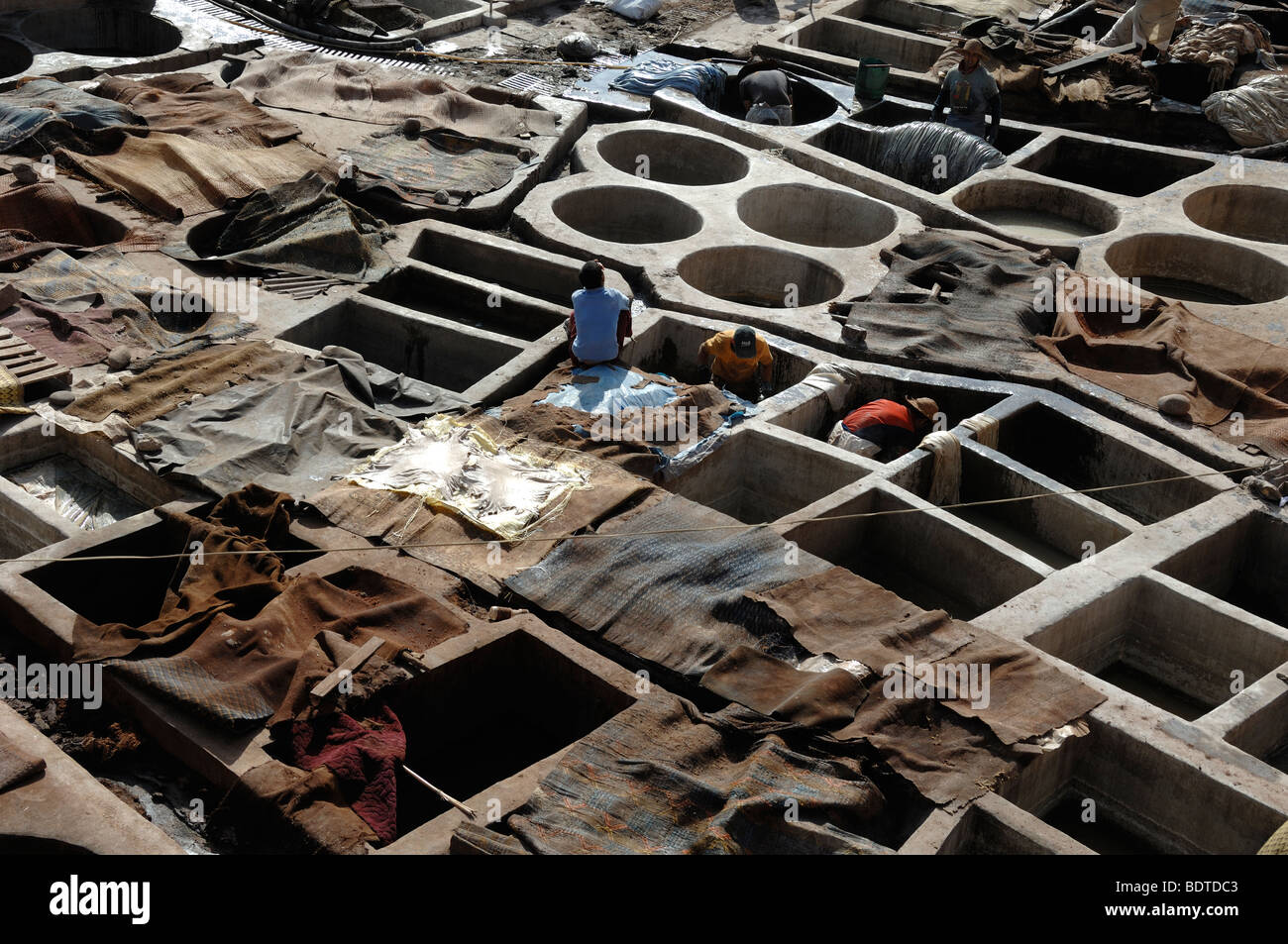 Skin Dying in the Tanneries Marrakesh Morocco - Stock Image