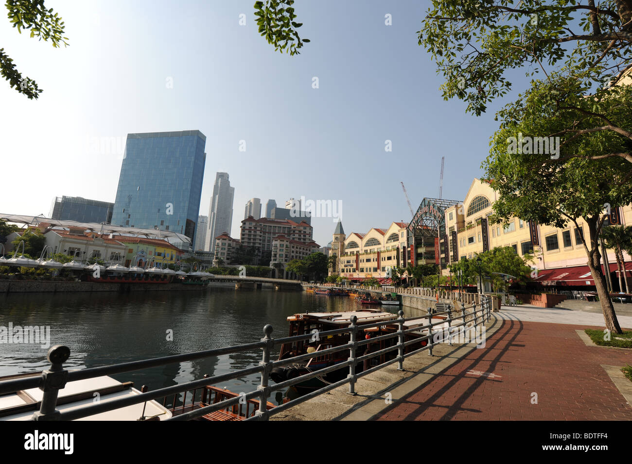 view down Singapore River from Robertson Quay area towards the city, Singapore - Stock Image