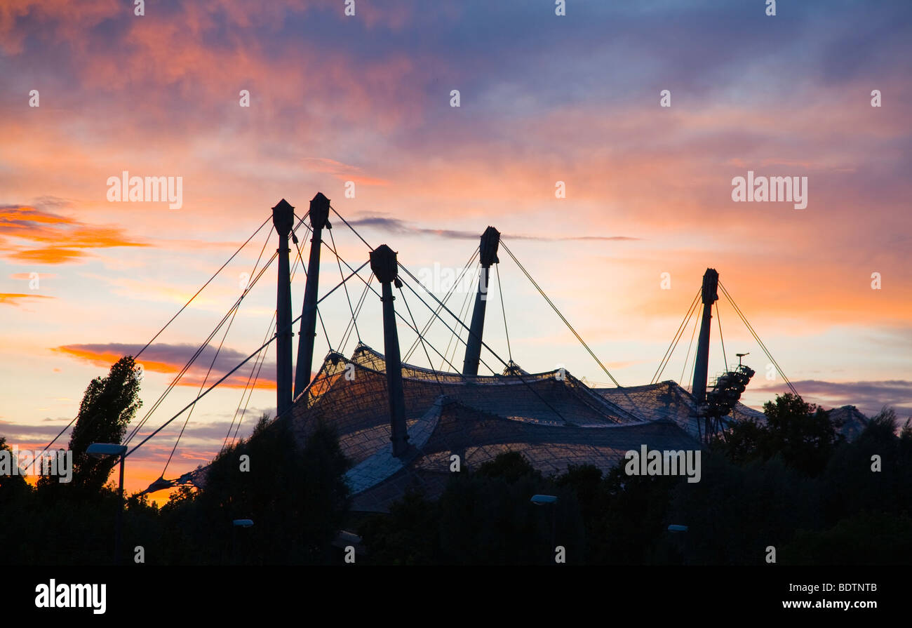 olympiastadion in muenchen im abendrot, bayern, deutschland, olympic stadion at sundown in munich, bavaria, germany - Stock Image