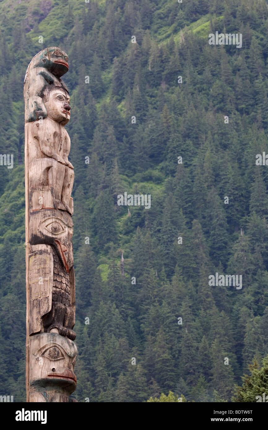 Wappenpfahl - (Totempfahl) / Totem pol / Tlingit-Indianer - (Juneau) - Stock Image