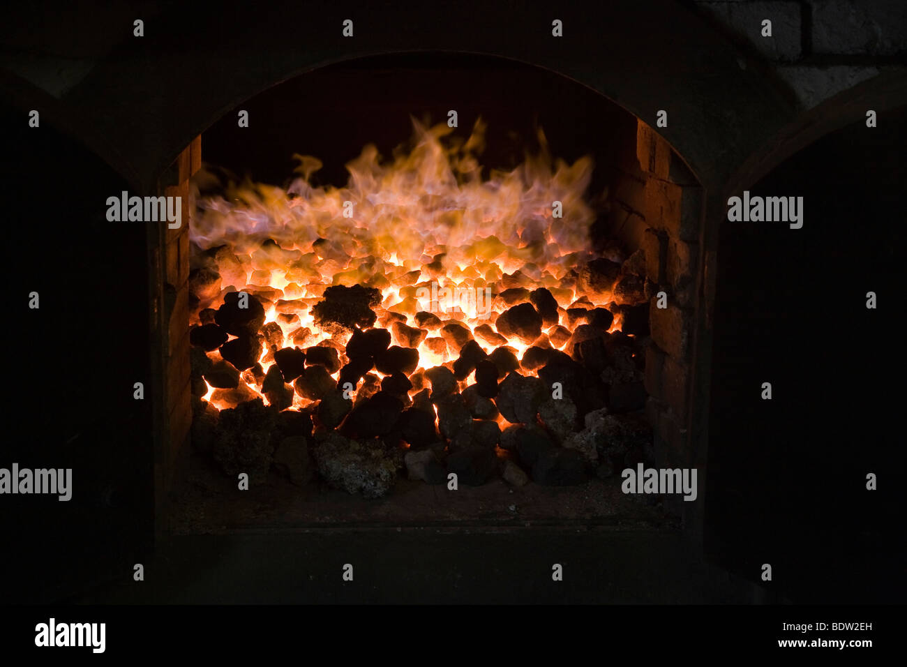 feuer zum whiskyraeuchern, fire to cure, highland park distillery kirkwall, whisky, orkney islands, scotland - Stock Image