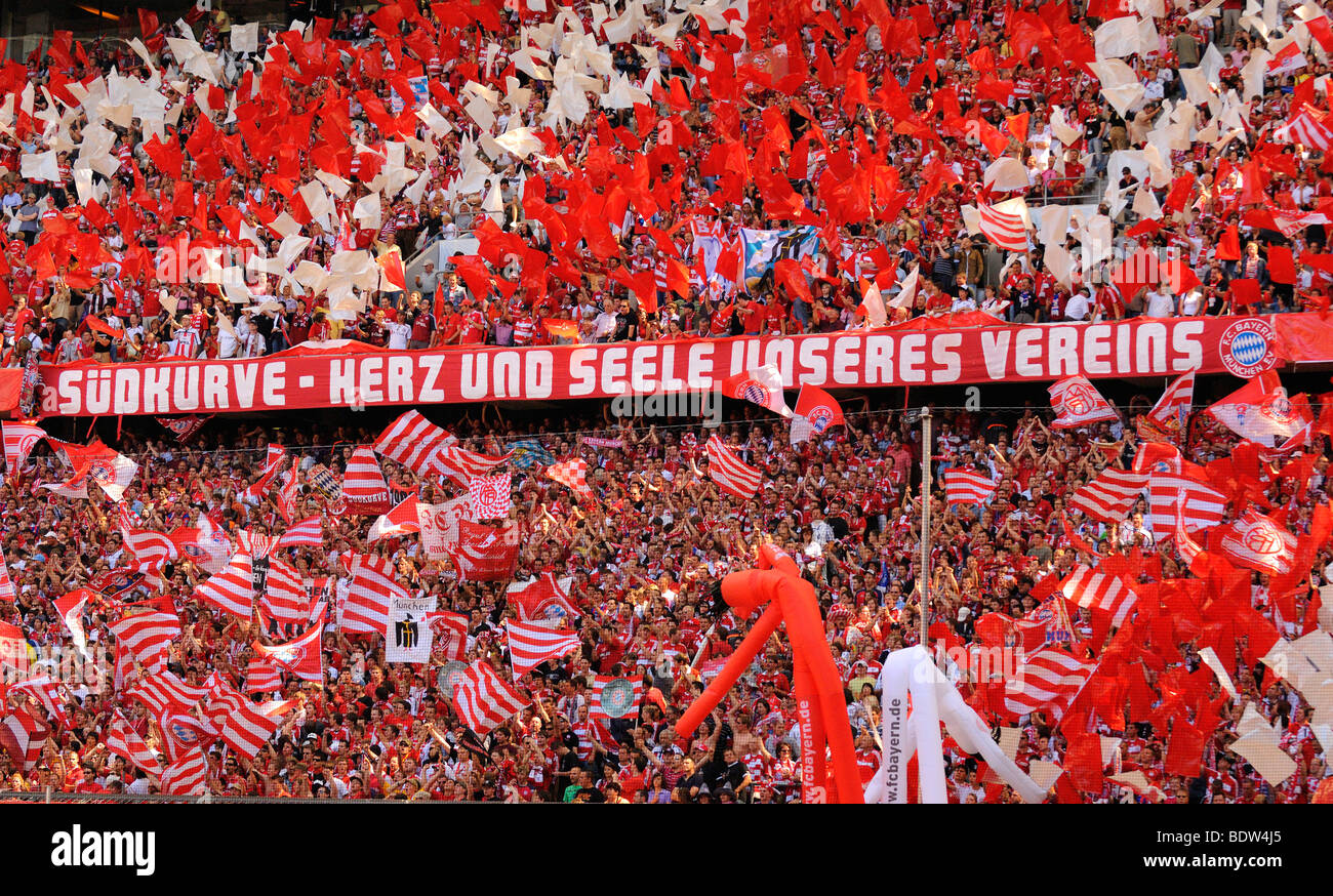 fc bayern muenchen fans south bank of the allianz arena. Black Bedroom Furniture Sets. Home Design Ideas