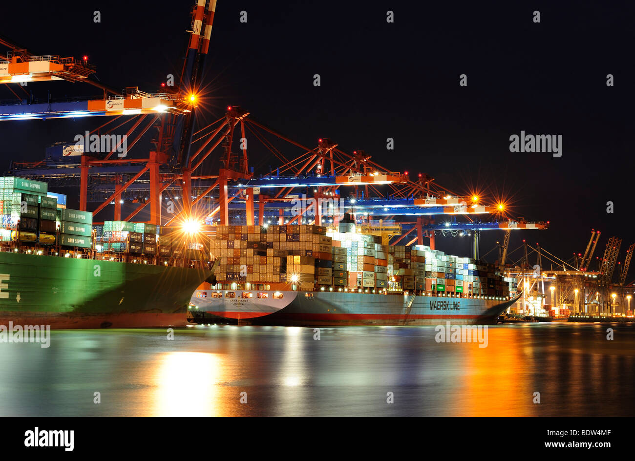 Container ship being loaded at Buchardkai Terminal, Hamburg, Germany, Europe Stock Photo