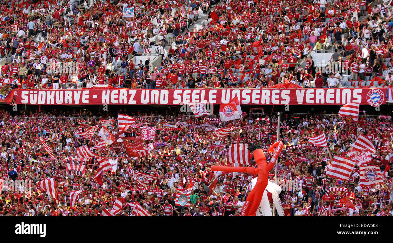FC Bayern Muenchen fans, south bank of the Allianz Arena, Munich, Bavaria, Germany, Europe - Stock Image