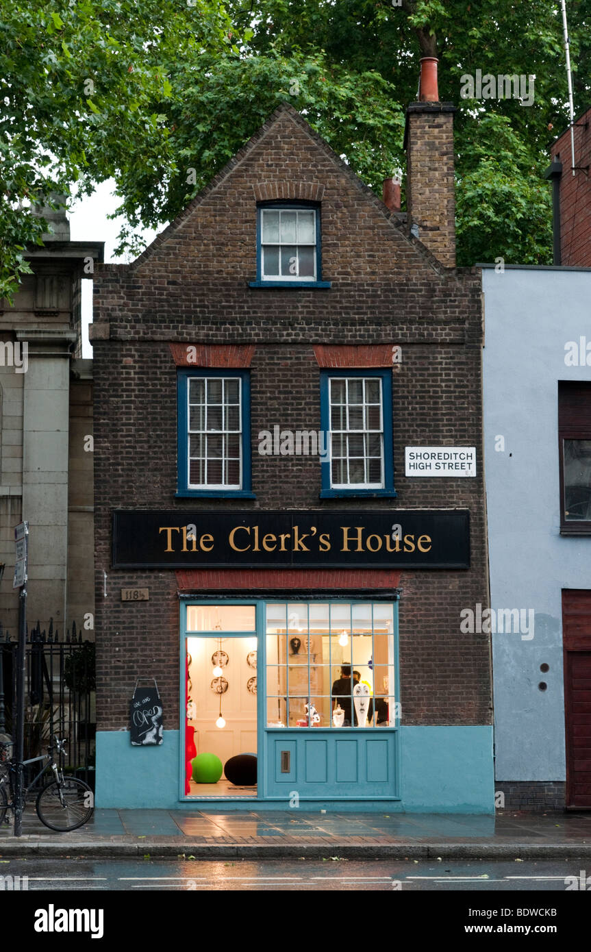 Shoreditch London Uk: The Clerk's House On Shoreditch High Street, London