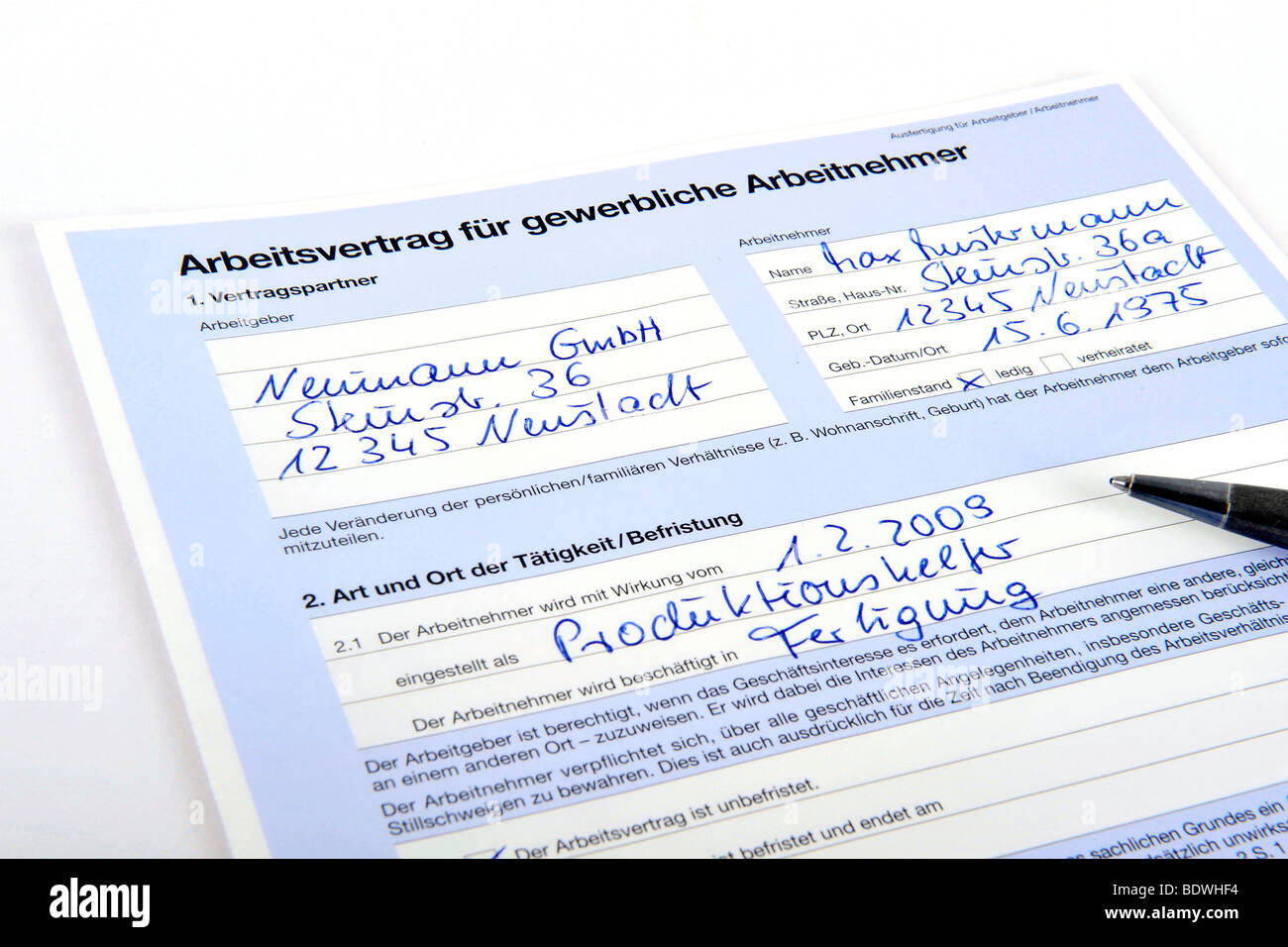Contract of employment for industrial employees Stock Photo