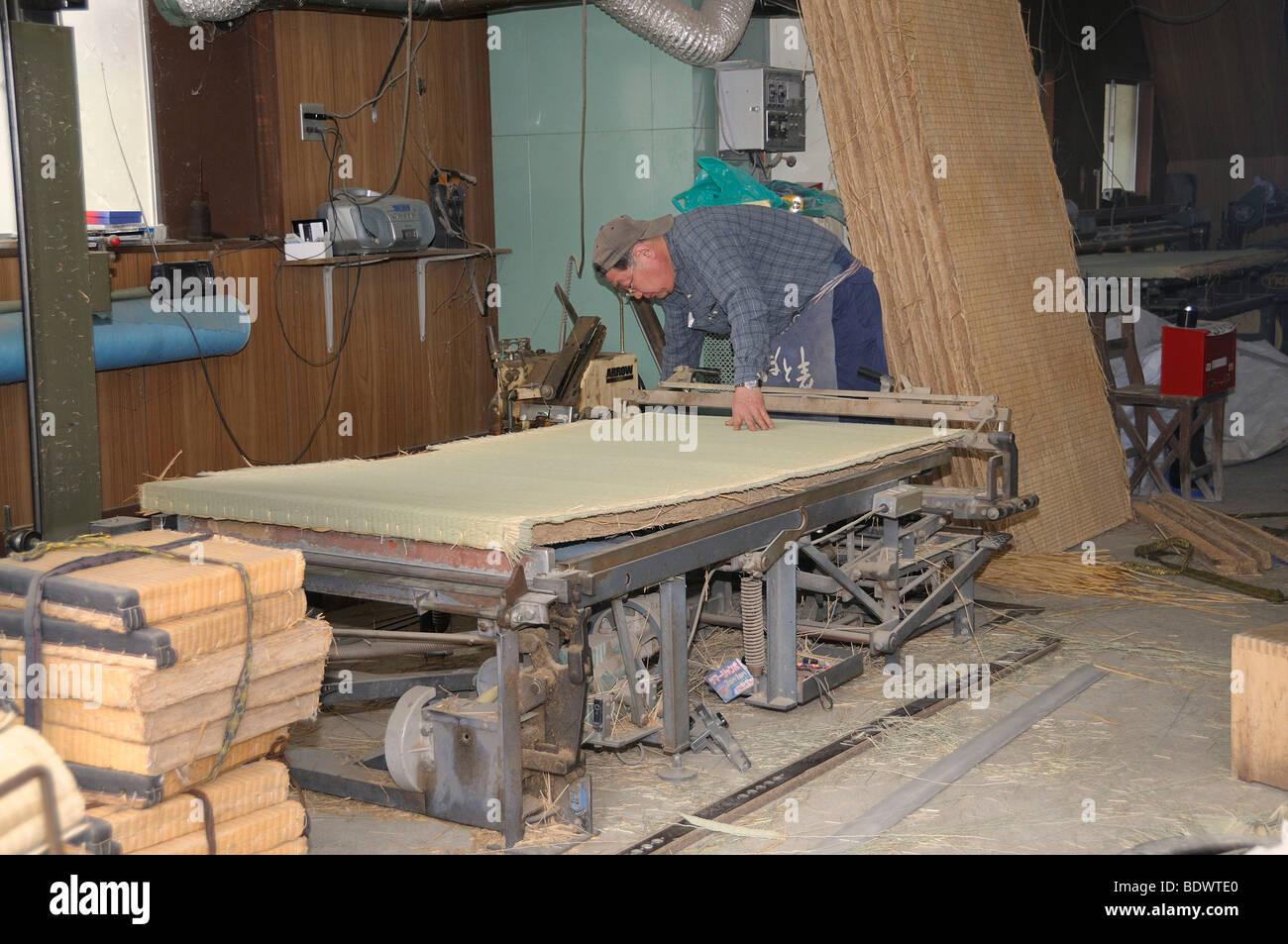 Manufacture of tatami flooring for traditional Japanese rooms in Sasayama, Japan, Asia - Stock Image