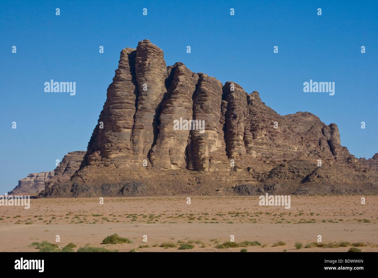 Seven Pillars of Wisdom Rock Formation in Wadi Rum Jordan - Stock Image