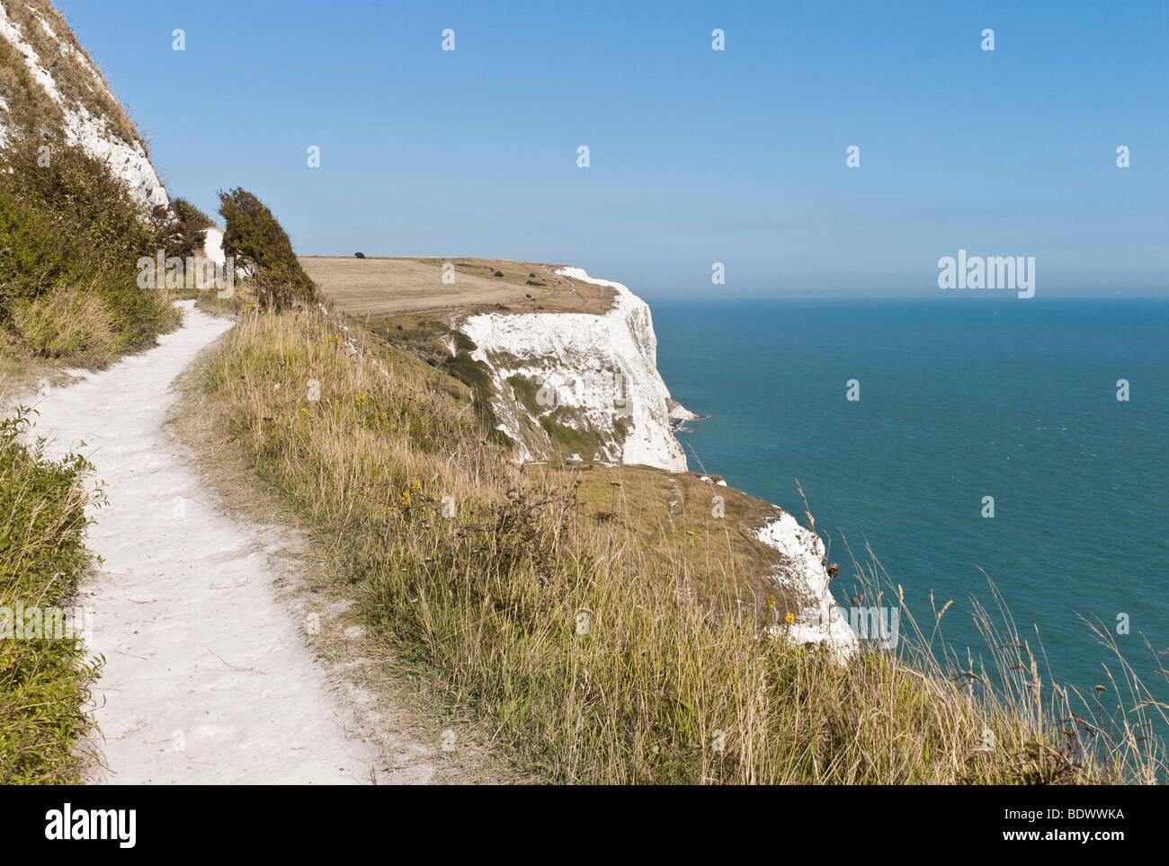 Coastal Path, White Cliffs, Langdon Cliffs, Dover, Kent, UK - Stock Image