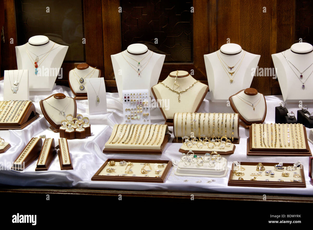 jewelry shoping jewellery shop in the grand bazaar marmaris turkey 5574