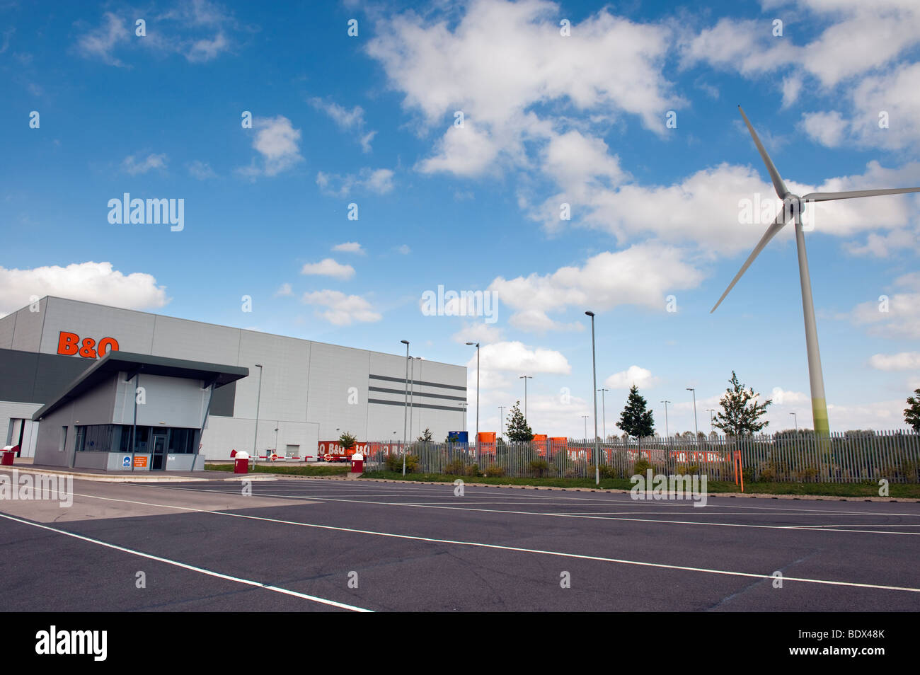 B&Q distribution centre and wind turbine at 'Manton Wood' Worksop Nottinghamshire - Stock Image
