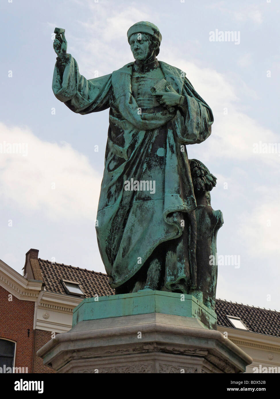 Statue of Laurens Janszoon Coster, who is locally claimed to have invented printing before Gutenberg, Grote Markt, - Stock Image