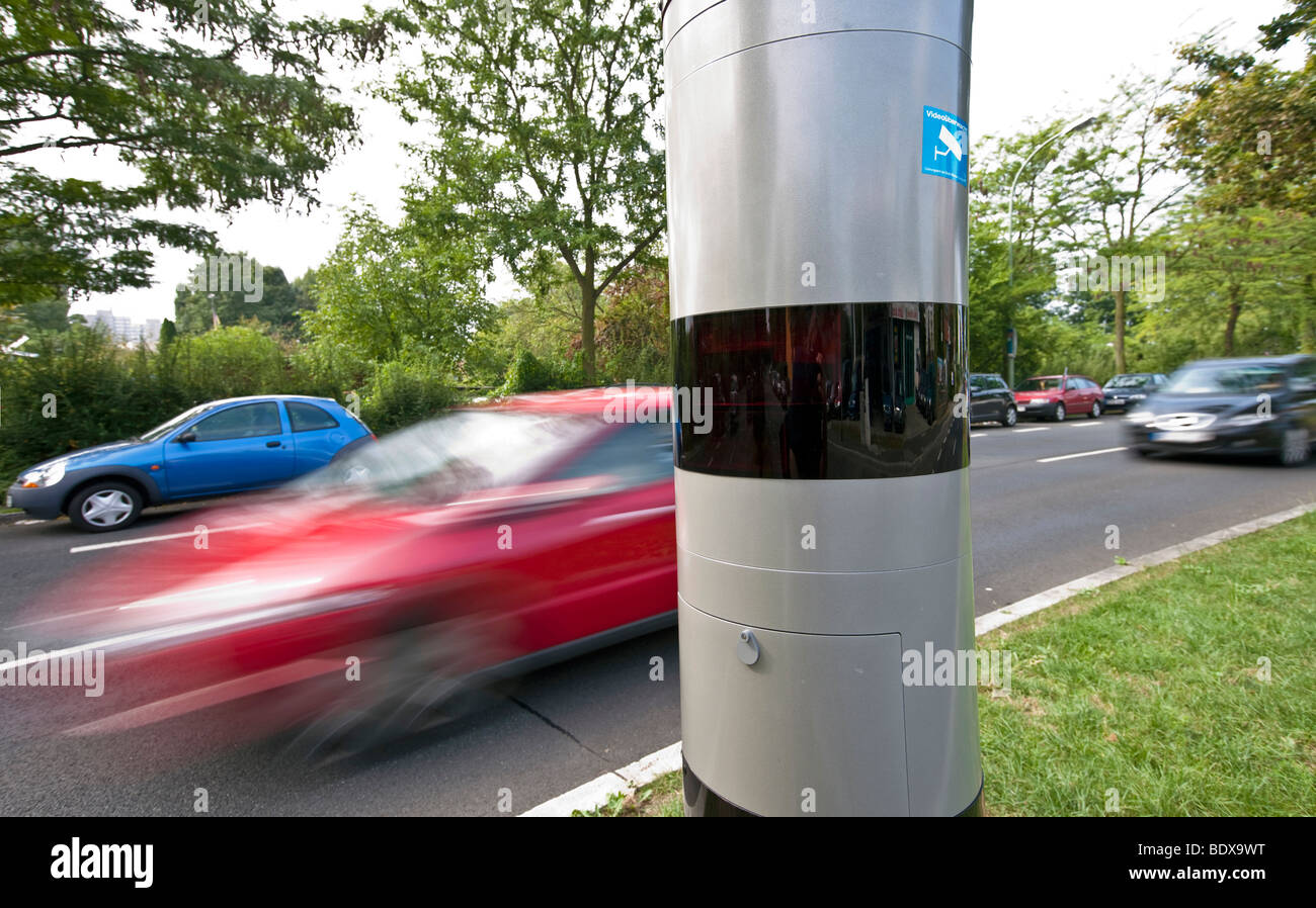 Digital speed monitoring 'POLISCANSPEED' laser-pulse travel-time measurement, Vitronic GmbH, Offenbach, - Stock Image