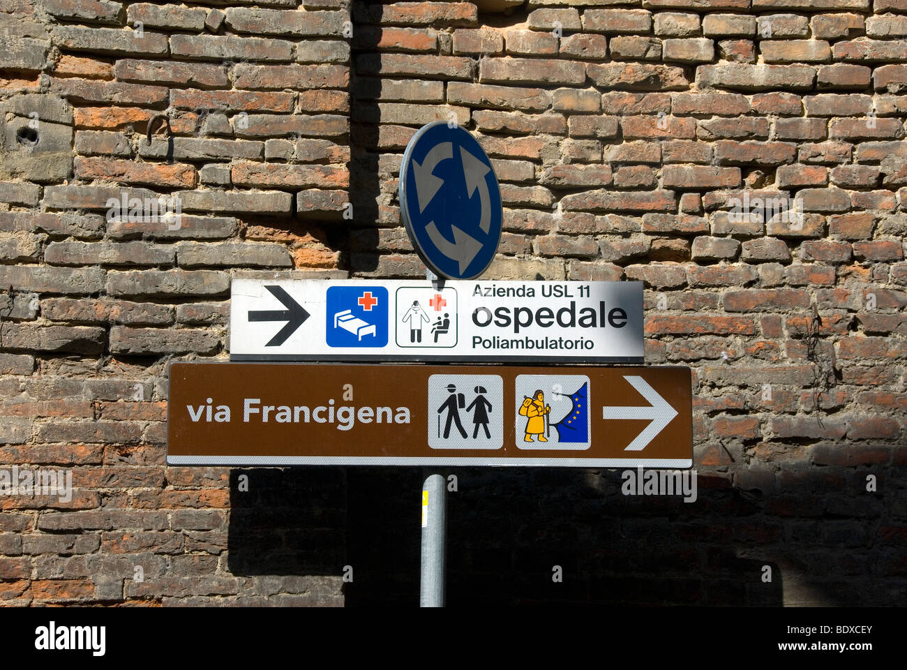 Sign for pilgrim route, Tuscany - Stock Image