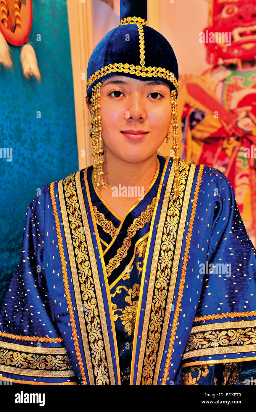 Portugal: Miss Lundeg dressed as a Mongolian princess representing Mongolia at the BTL Tourism Fair  2009 in  Lisbon - Stock Image