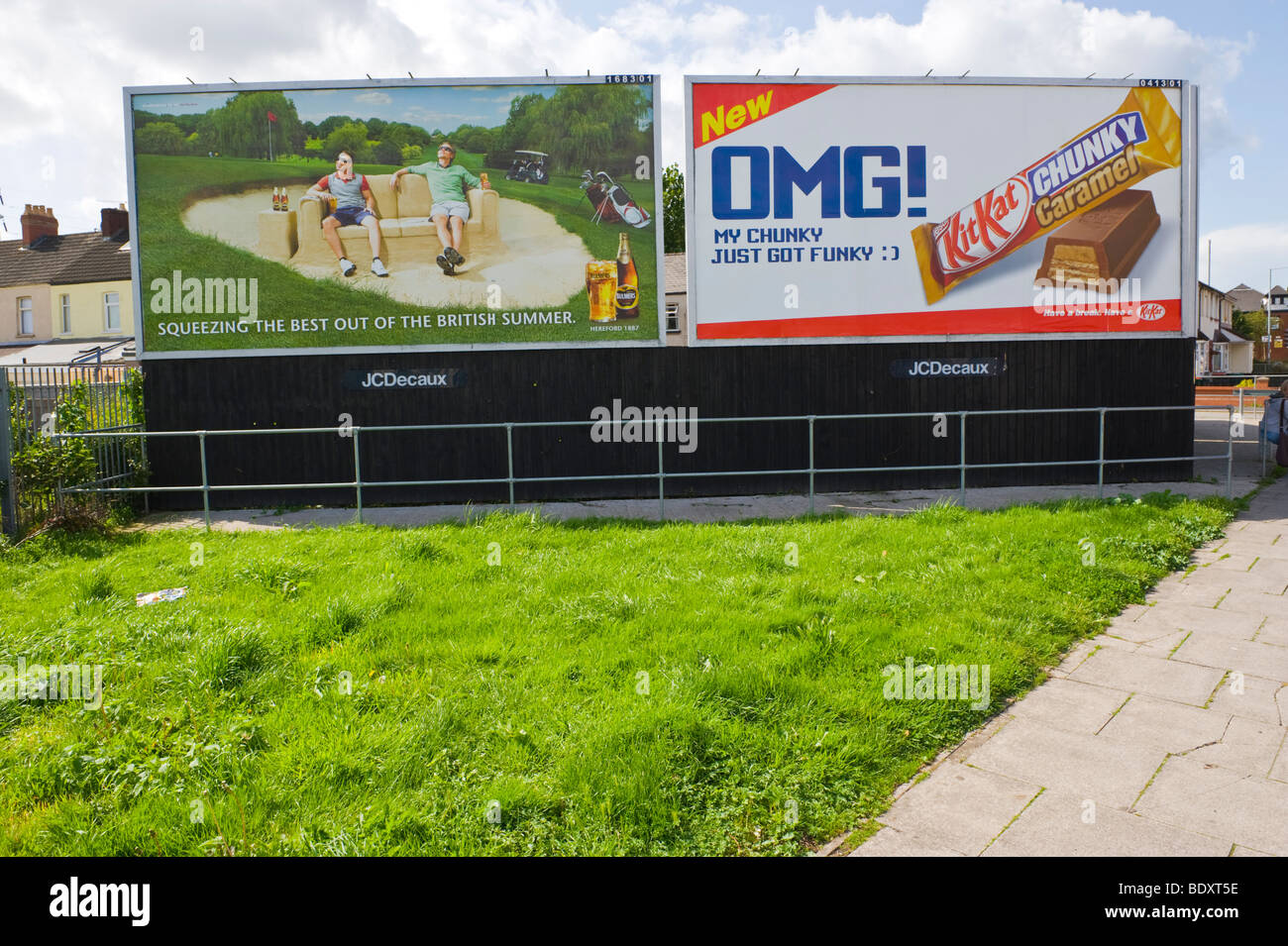 JC Decaux billboards for Bulmers Cider and Kit Kat in UK - Stock Image
