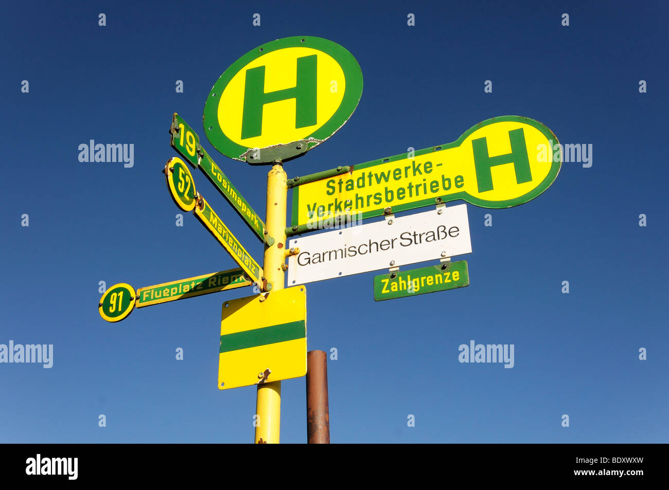 Signs at the summit of Mt. Zugspitze, 2962 m, highest mountain in Germany, Bavaria-Tyrol, Germany, Europe - Stock Image