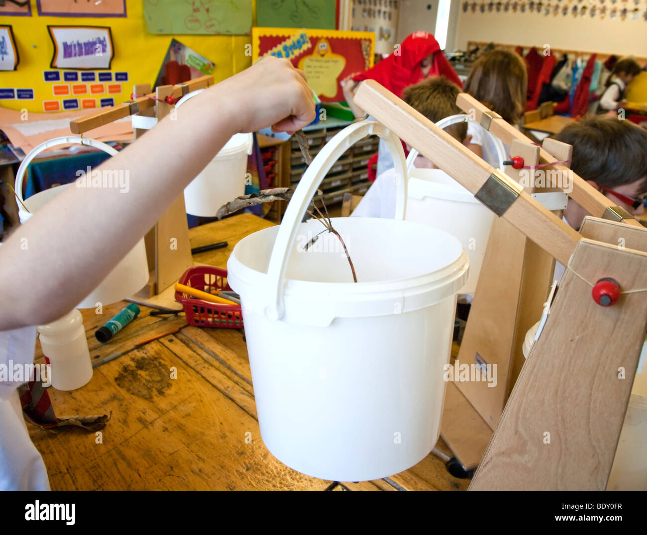 Primary school science experiment - Stock Image