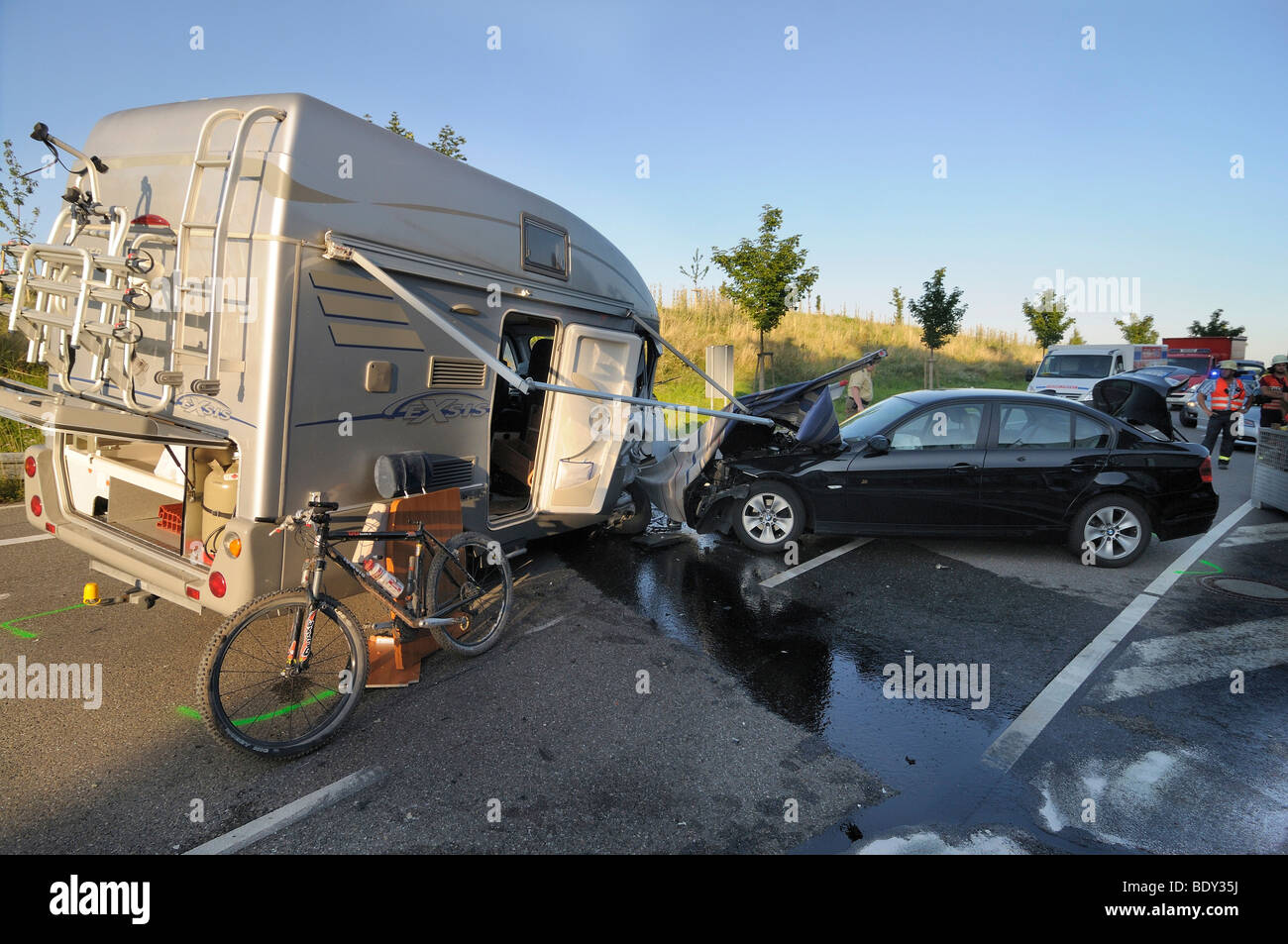 Fatal traffic accident, collision of a campmobile with