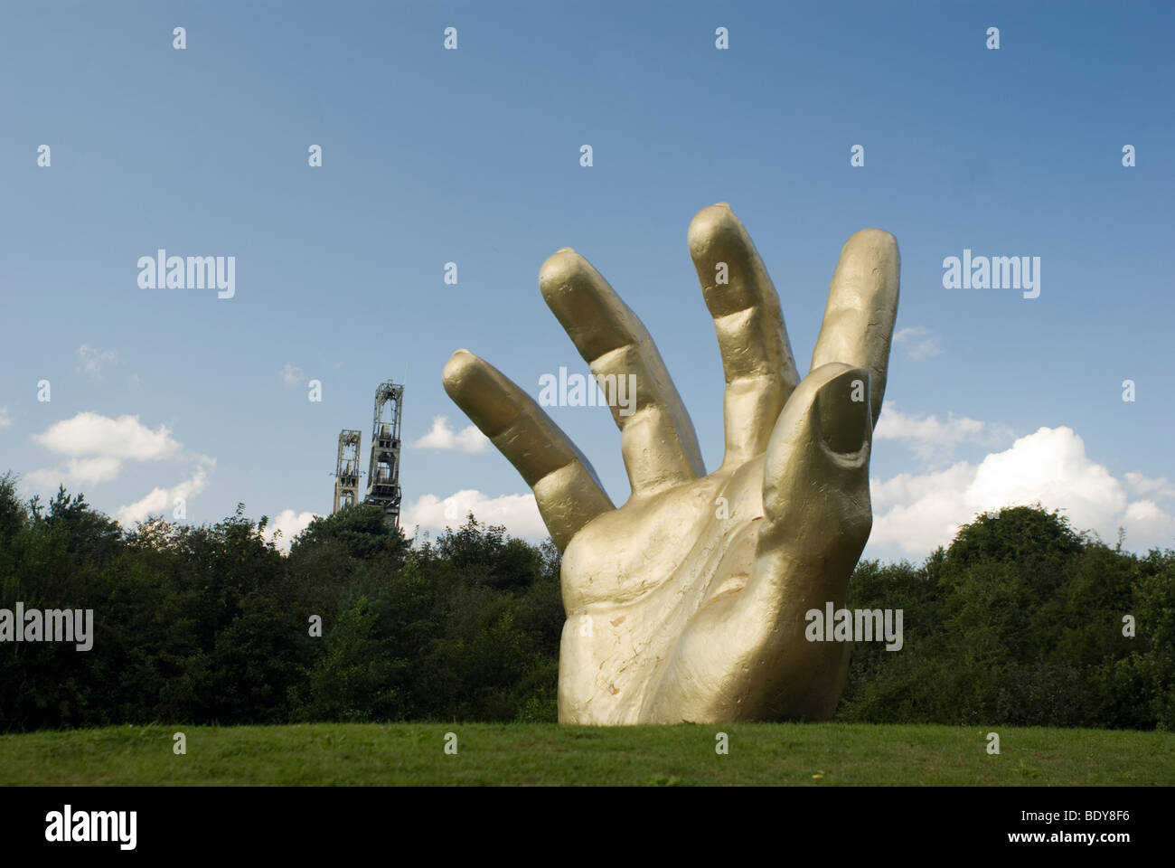 Golden Hand Vicar Water Country Park, Clipstone, Nottinghamshire, UK - Stock Image