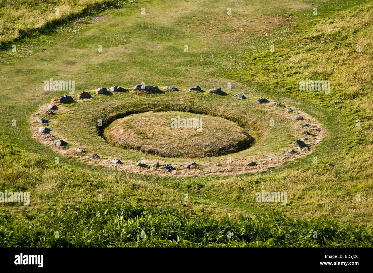 dh Pezeries Point TORTEVAL GUERNSEY Table des Pions historical site fairies channel island historic fairy ring - Stock Image