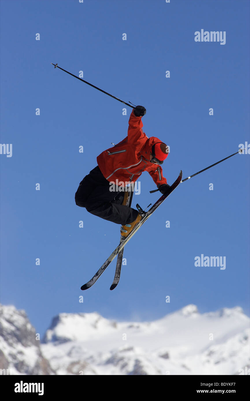 Freestyle skier in mid air. - Stock Image