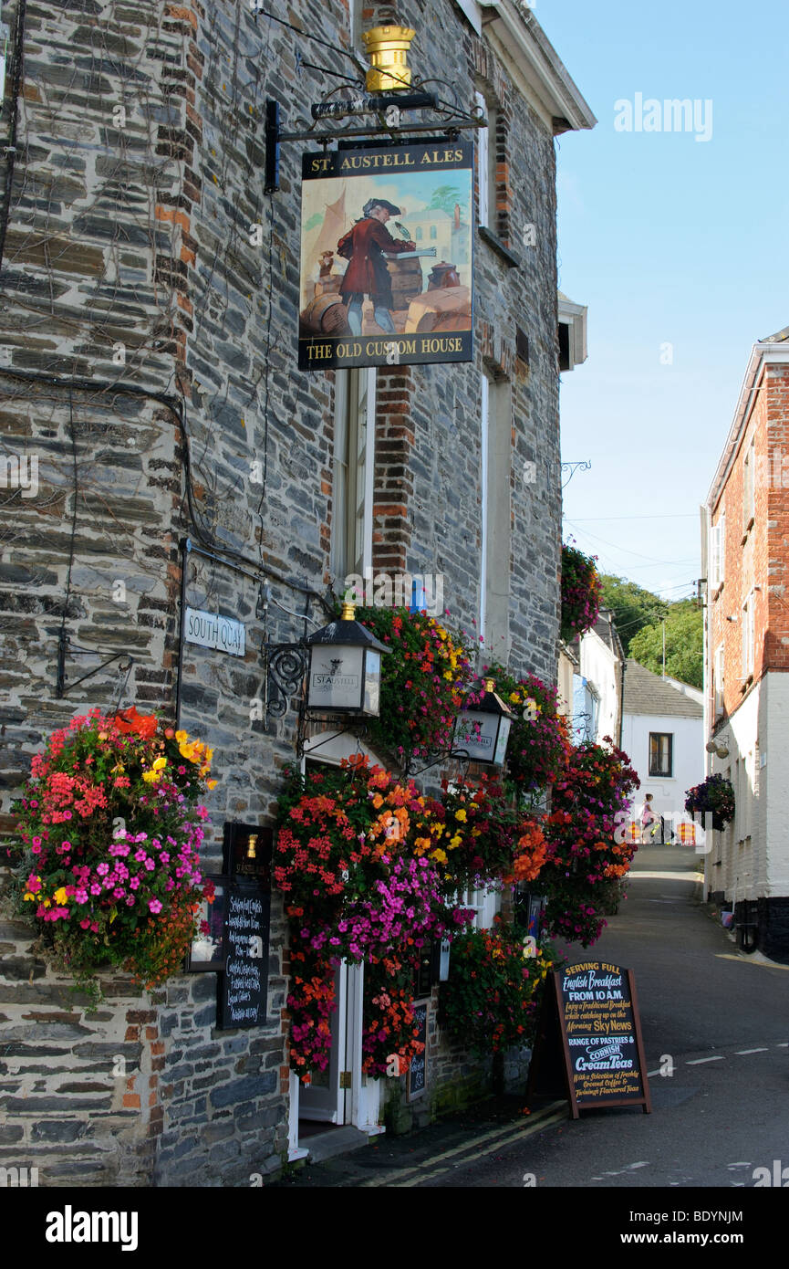 The Old Custom House on North Quay in Padstow, Cornwall, England Stock Photo