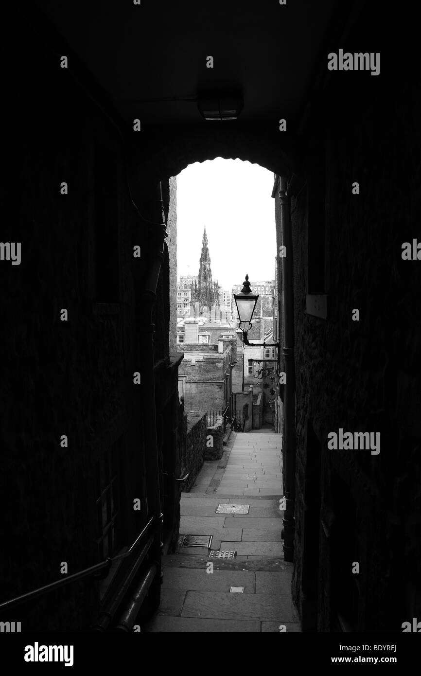 A view through Advocates close along the Royal Mile Edinburgh Scotland UK - Stock Image