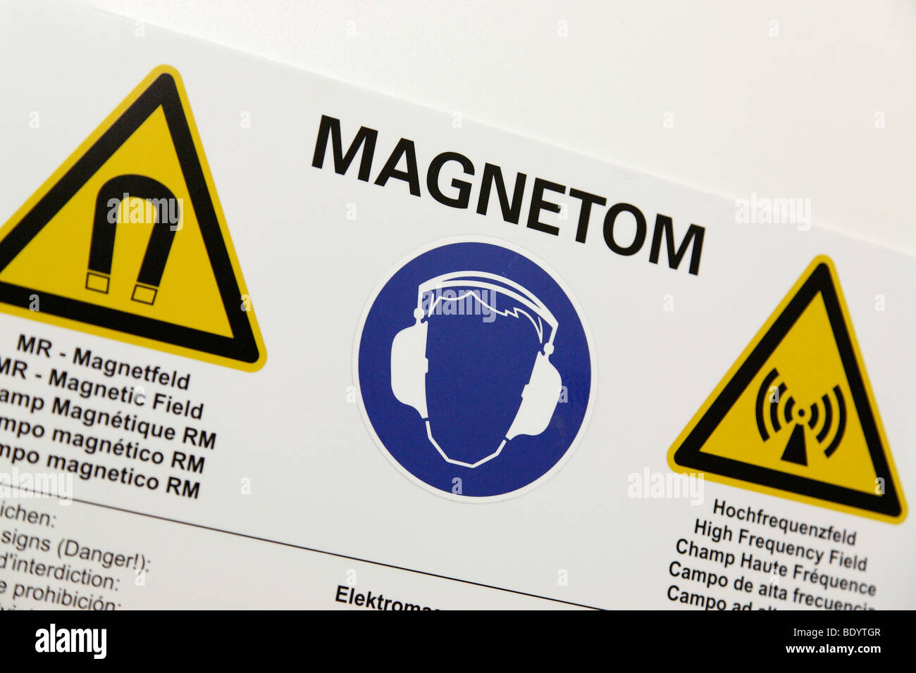 Magnetic Field warning sign - Stock Image