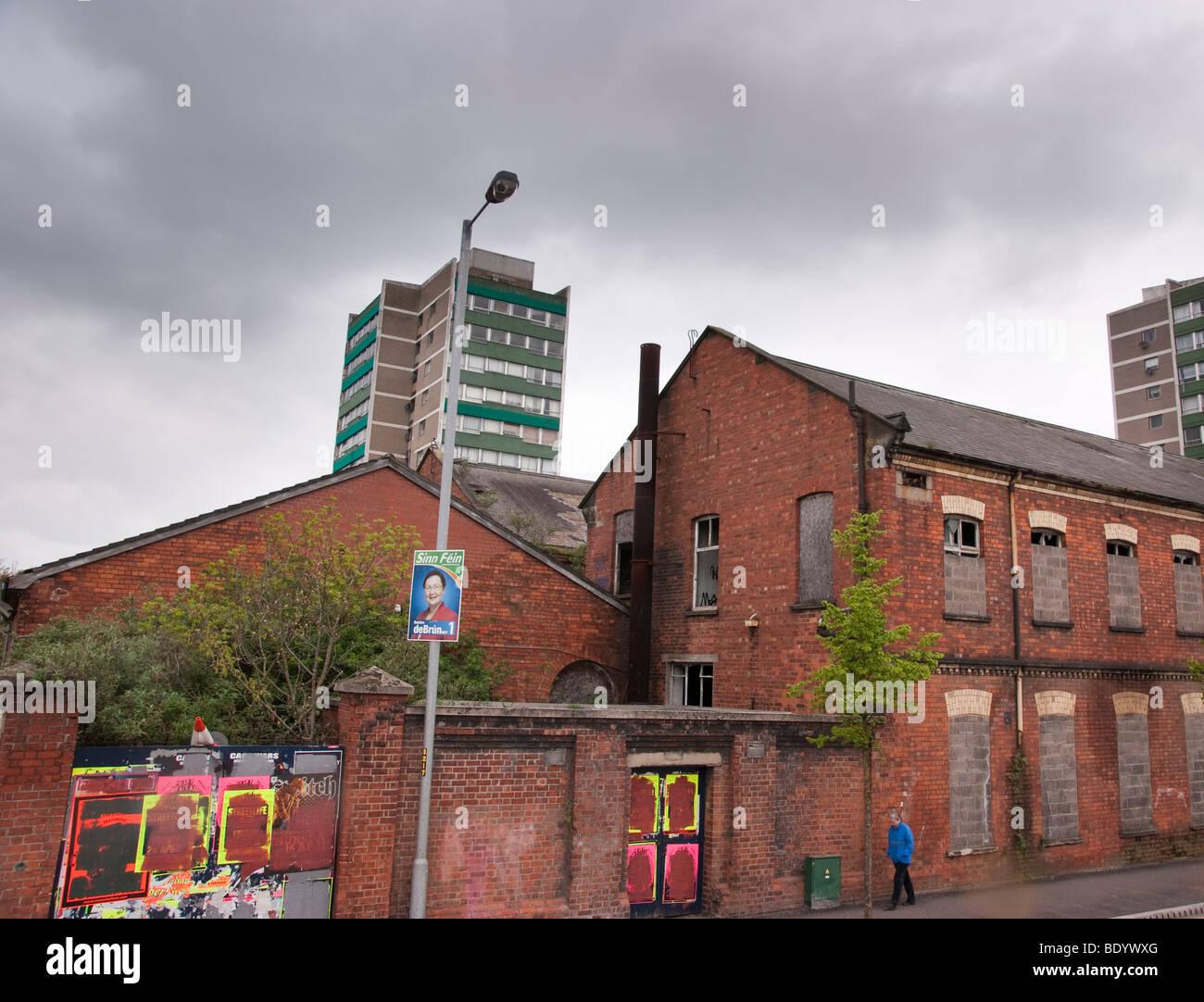 Belfast Ireland 2009 Sinn Fein poster and district - Stock Image