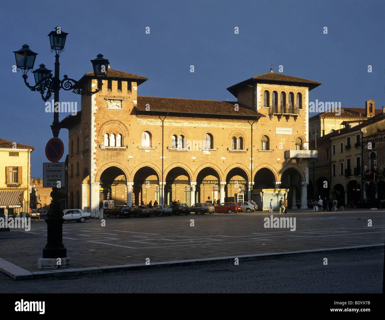 Venetian palace, Piazza Maggiore, Montagnana, Veneto, Italy, Europe - Stock Image