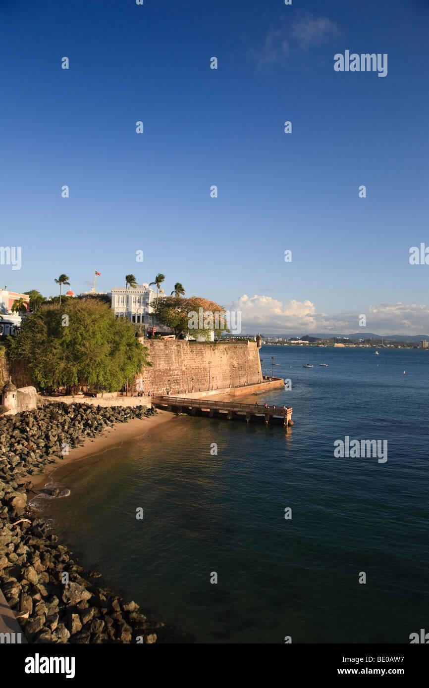 Usa, Caribbean, Puerto Rico, San Juan, Old Town, Paseo Del Morro and La Muralla - Stock Image
