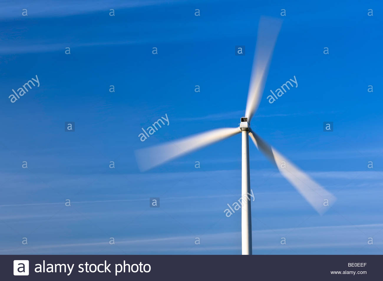 Wind turbine, blades in motion - Stock Image
