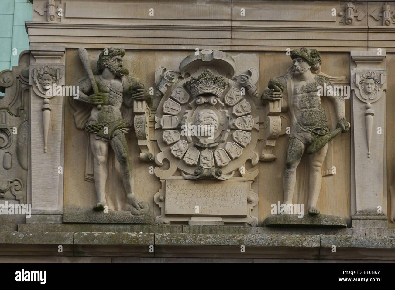 Frederiksborg Castle, statues - Stock Image