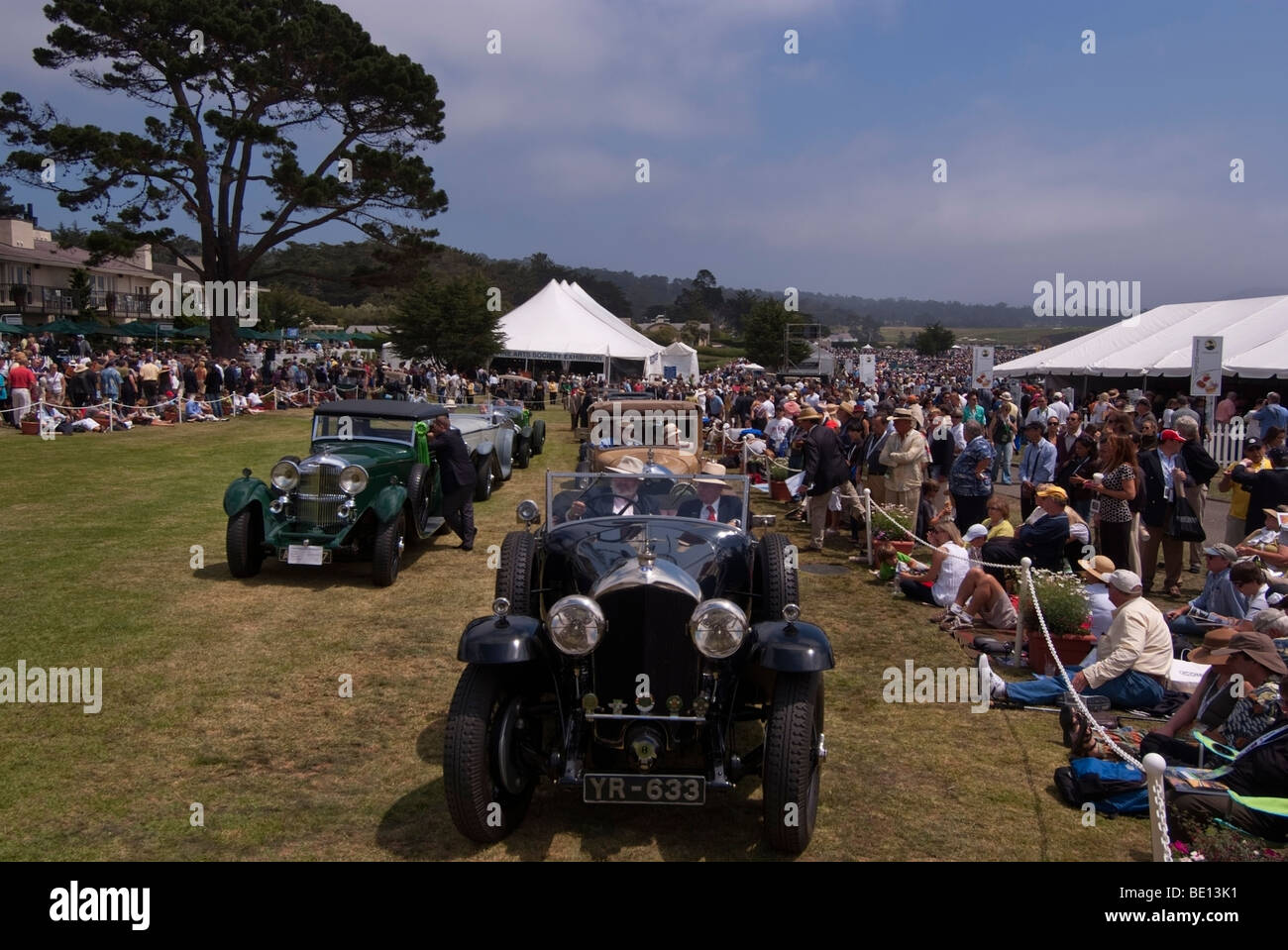 Vintage British automobiles waiting to drive onto the main stage during the 2009 Pebble Beach Concours d'Elegance - Stock Image