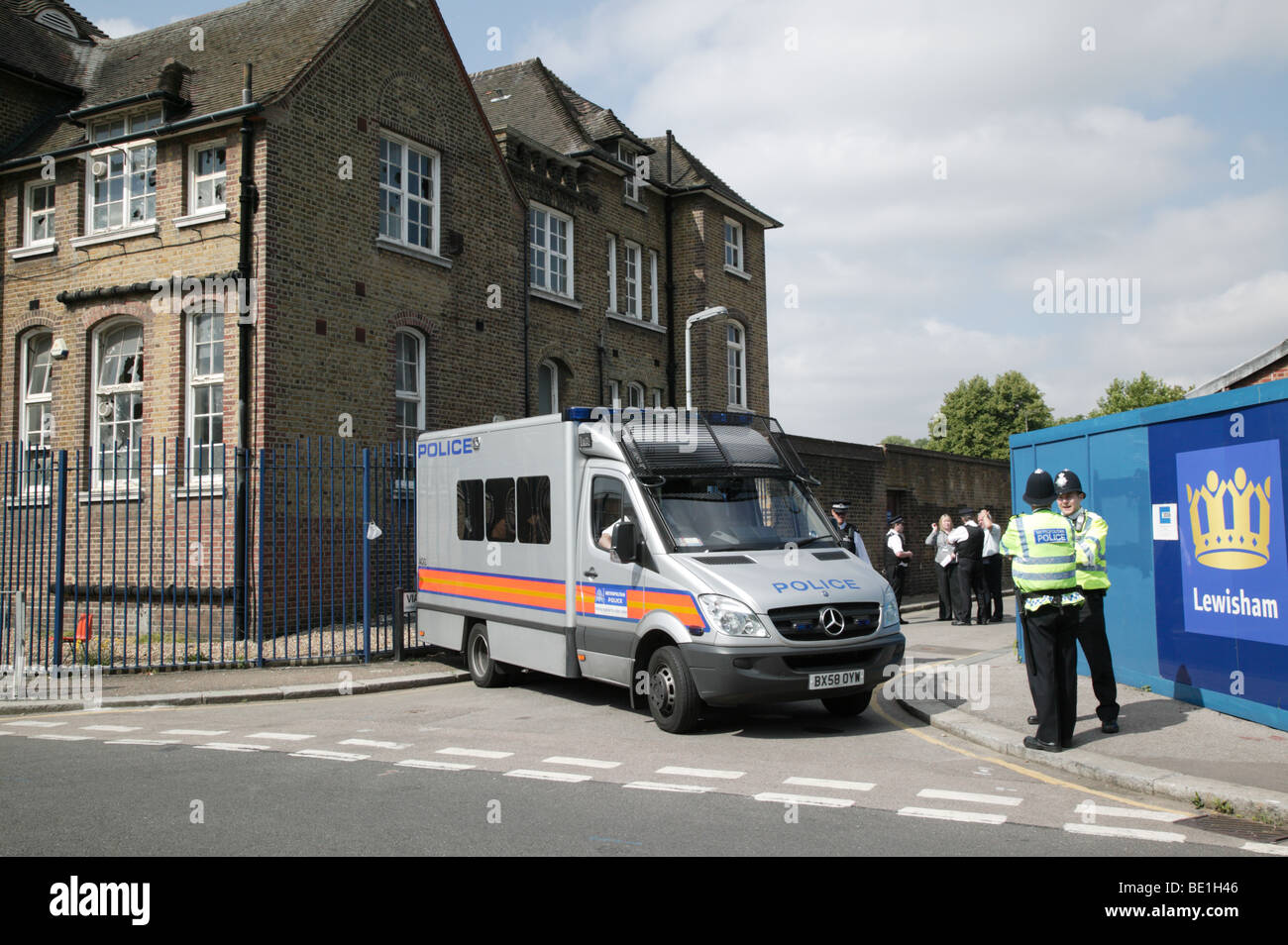 Bailiffs',  Police and Lewisham Council Officials trying to repossess the protestor, occupied Lewisham Bridge - Stock Image