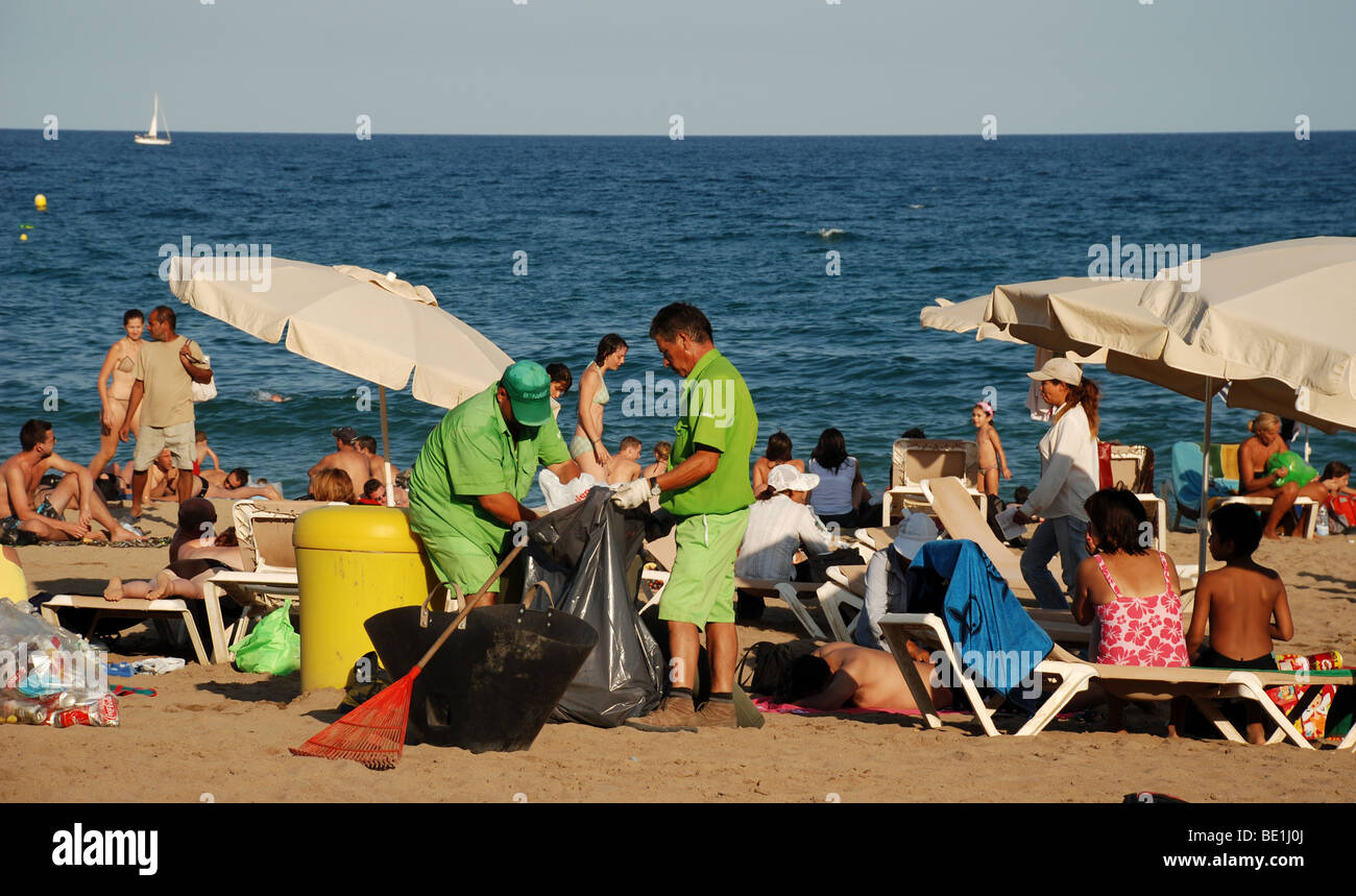 Crowds at Barcelona beach. Spain. - Stock Image