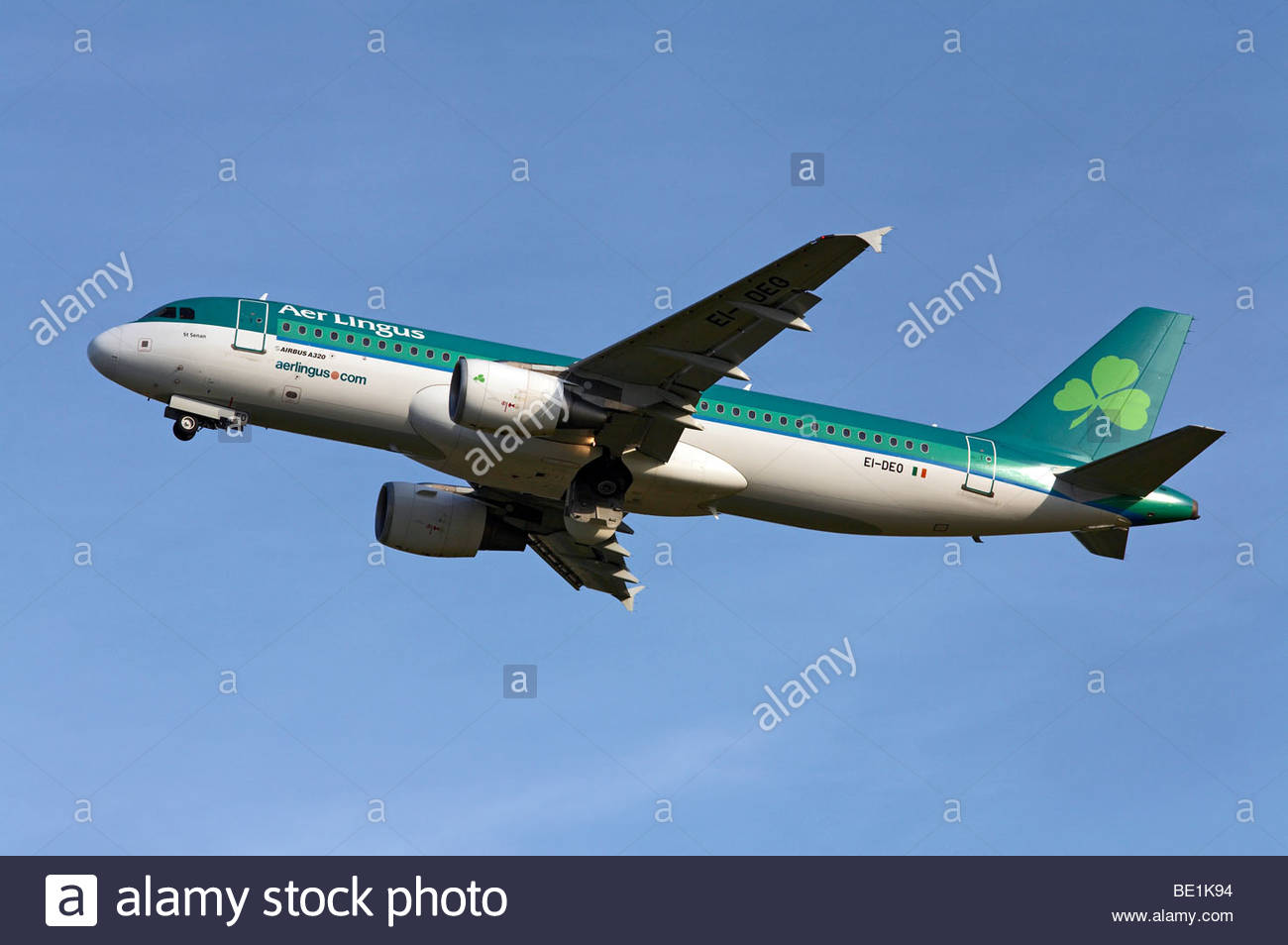 Aer Lingus Airbus A320 flight shortly after takeoff - Stock Image