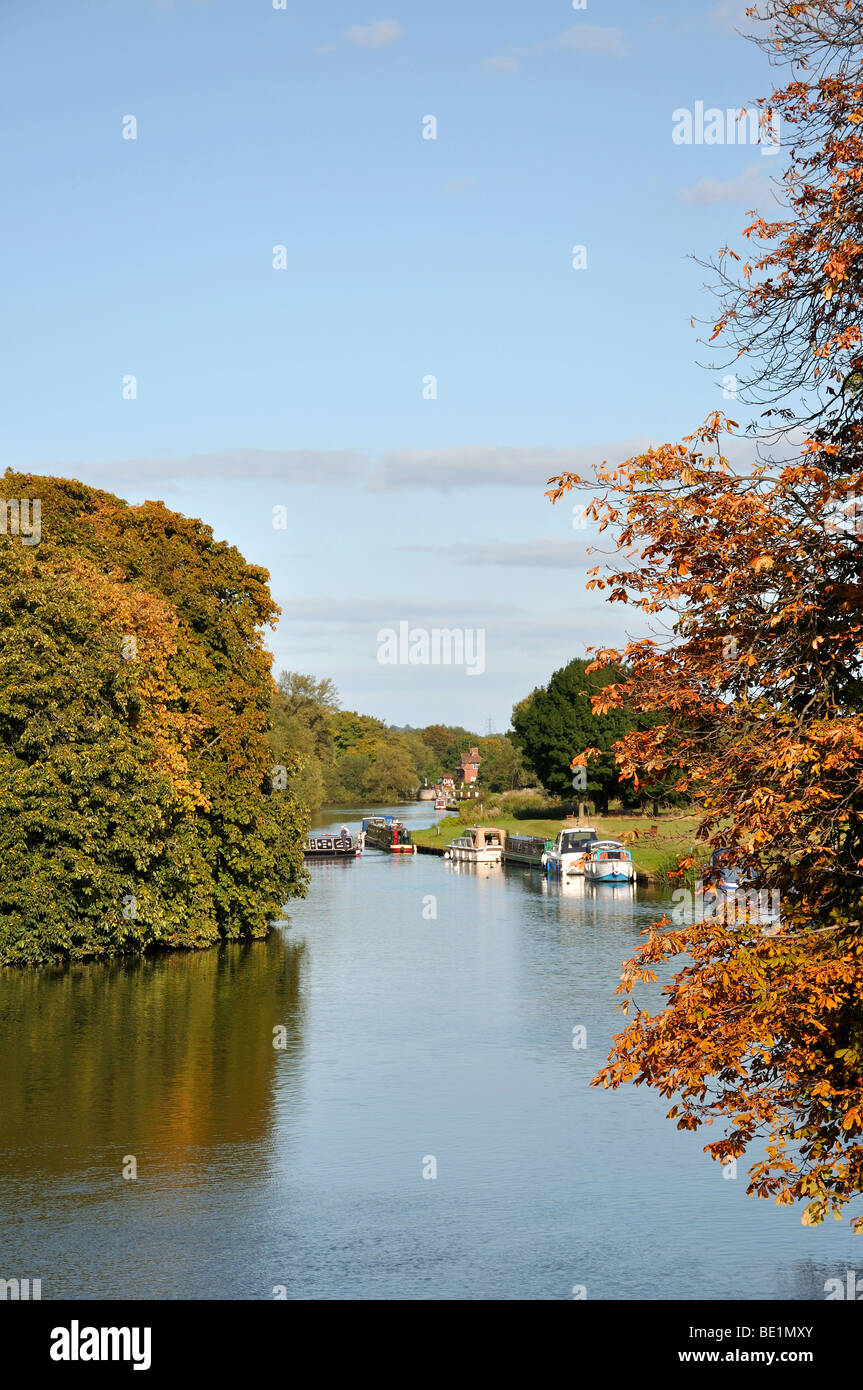 River Thames in early autumn, Abingdon-on-Thames, Oxfordshire, England, United Kingdom - Stock Image