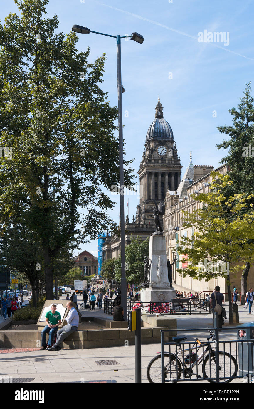 The Headrow looking towards the City Art Gallery and Town Hall, Leeds, West Yorkshire, England - Stock Image