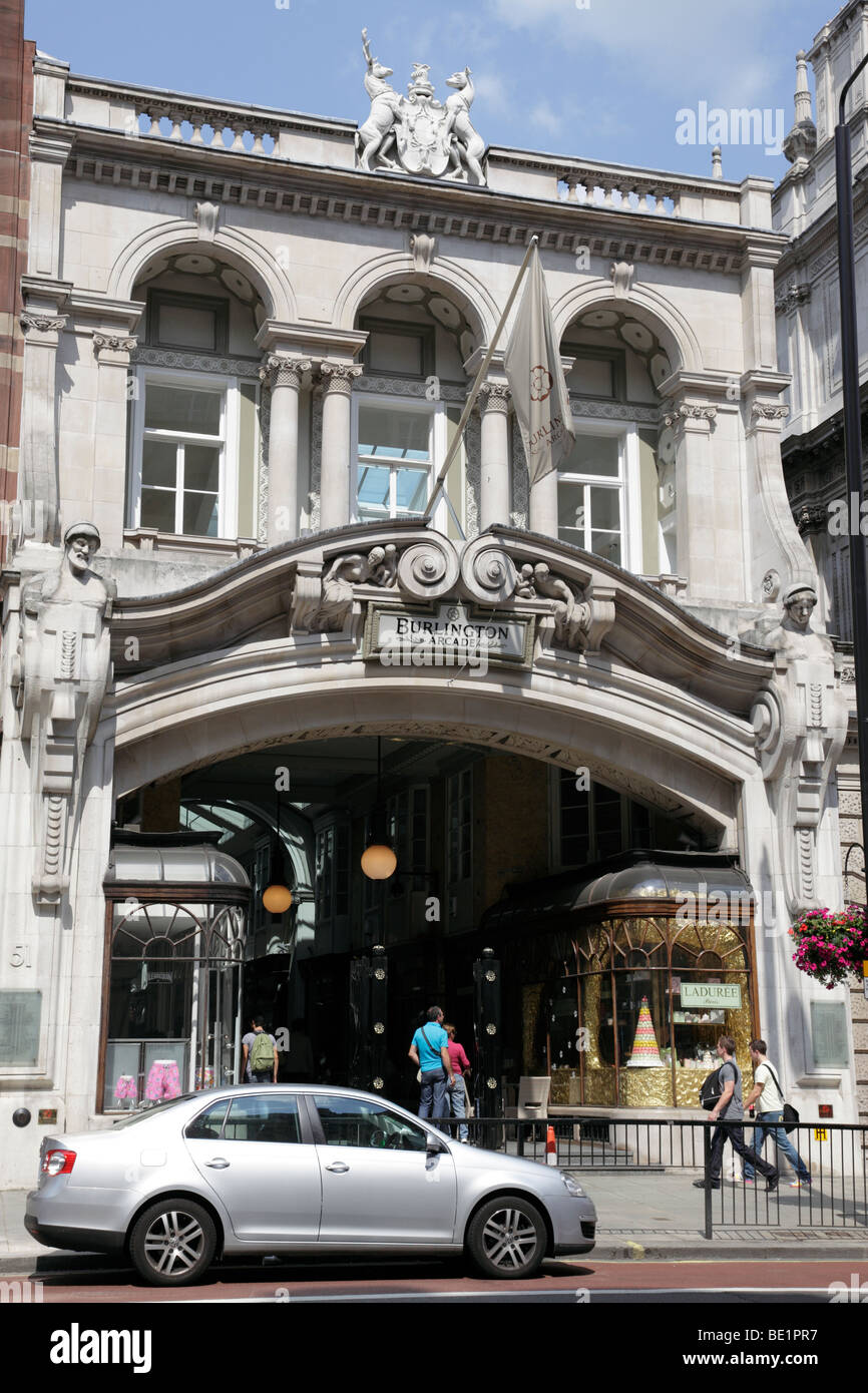 entrance to the burlington arcade britains first covered passageway for shopping opened in 1819 piccadilly london - Stock Image