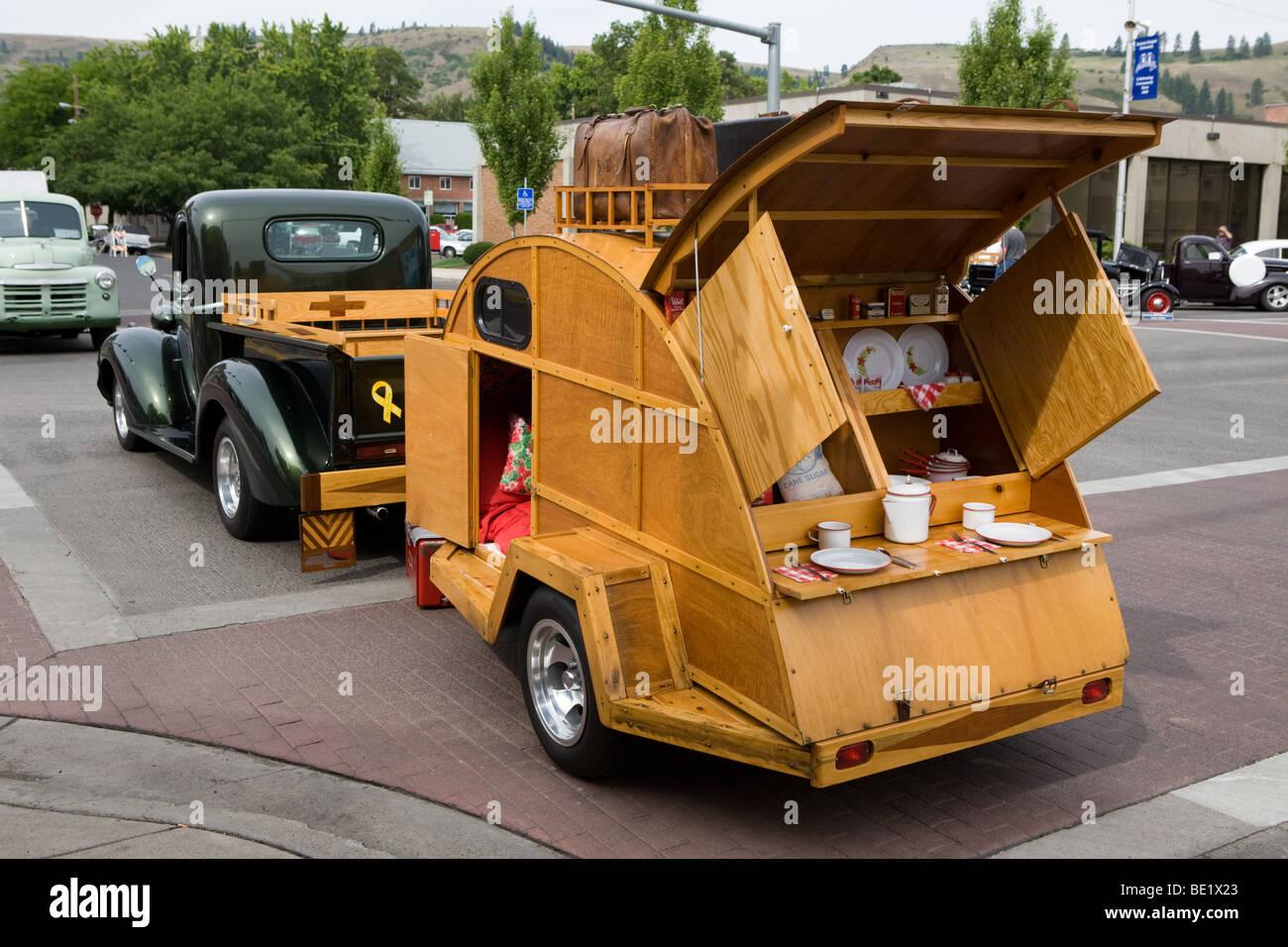 Antique camper at a car show in La Grande Oregon - Stock Image