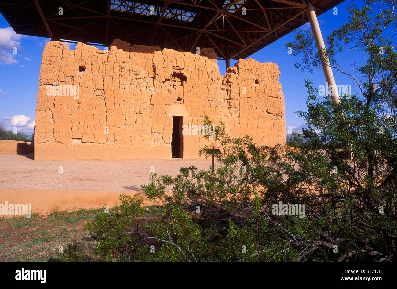 Afternoon light on the west entrance of Casa Grande Ruins, Casa Grande Ruins National Monument Stock Photo