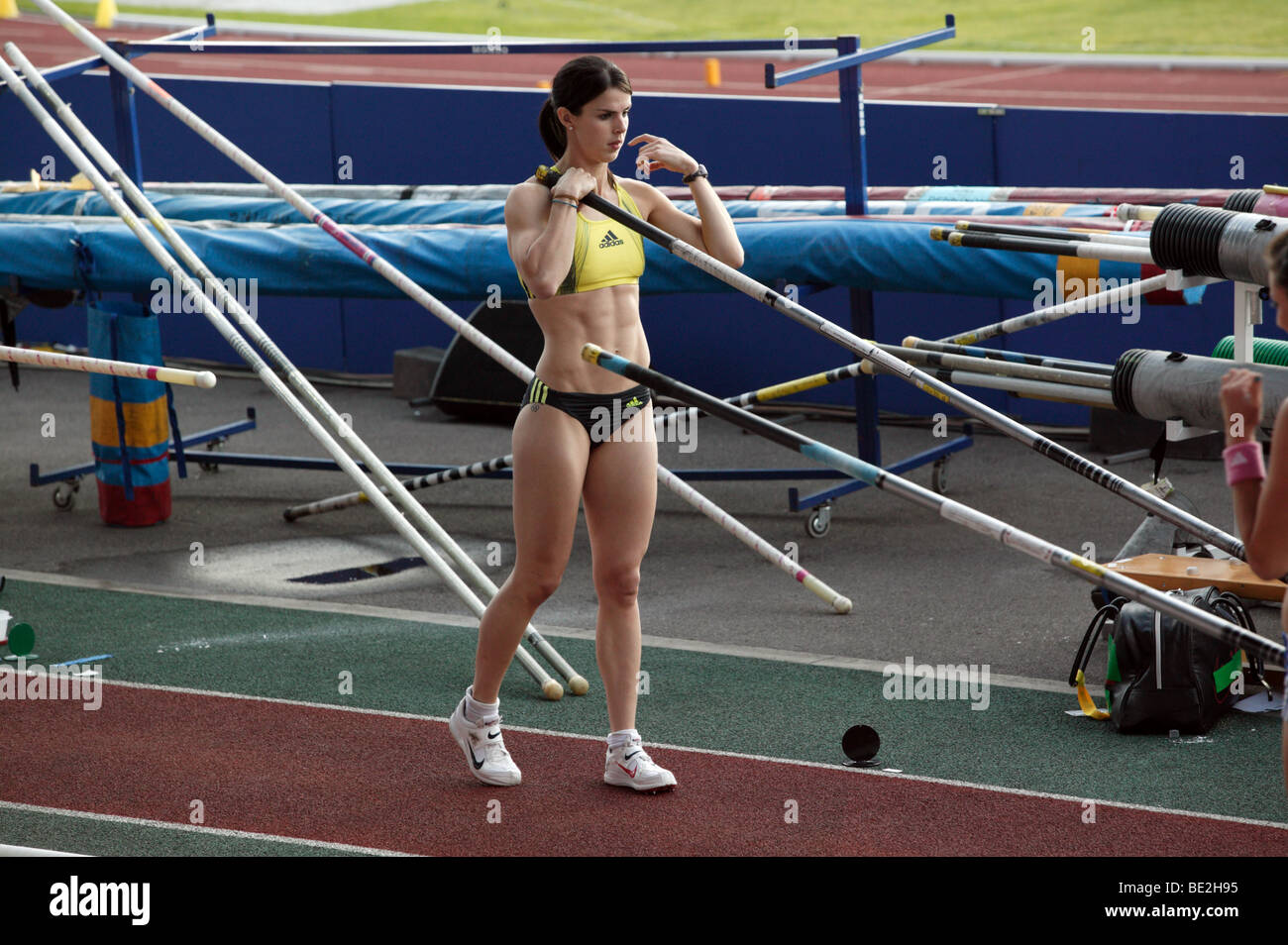 Kate Dennison preparing to jump, during the Women's Pole Vault competition at the Aviva London Grand Prix, 2009 - Stock Image